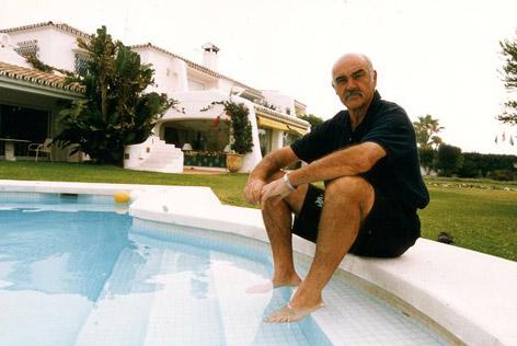 visitando córneo azotar cerca de Marbella
