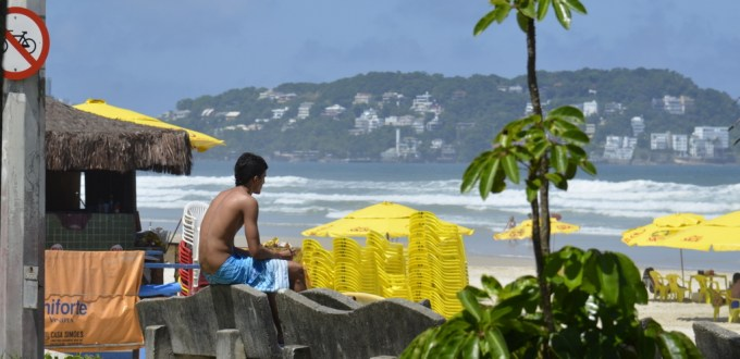 Boy surfer Guaruja