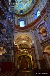 Interior lift in the Karlskirche