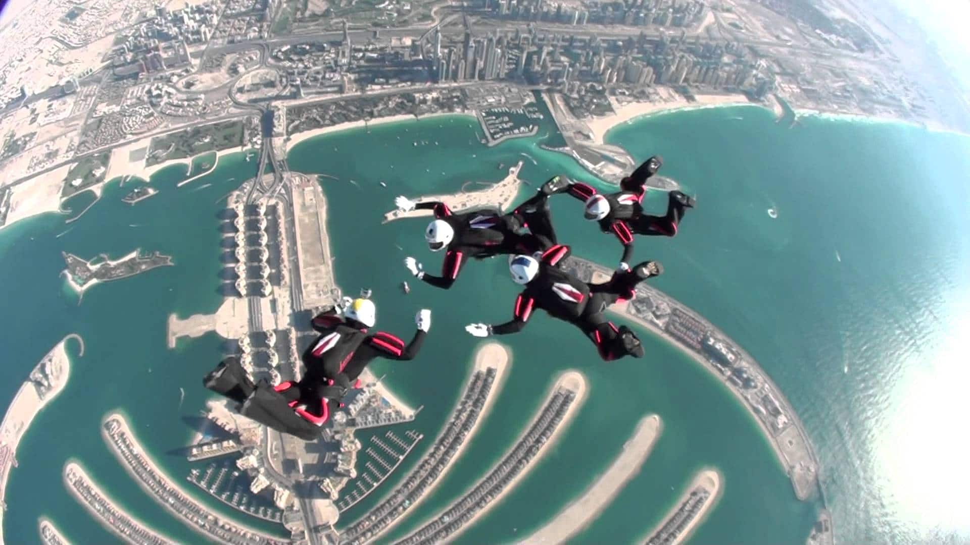 نتيجة بحث الصور عن القفز بالمظلات في دبي