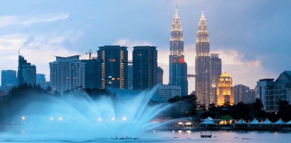 Tourist Attractions in Malaysia(Petronas Twin Towers)