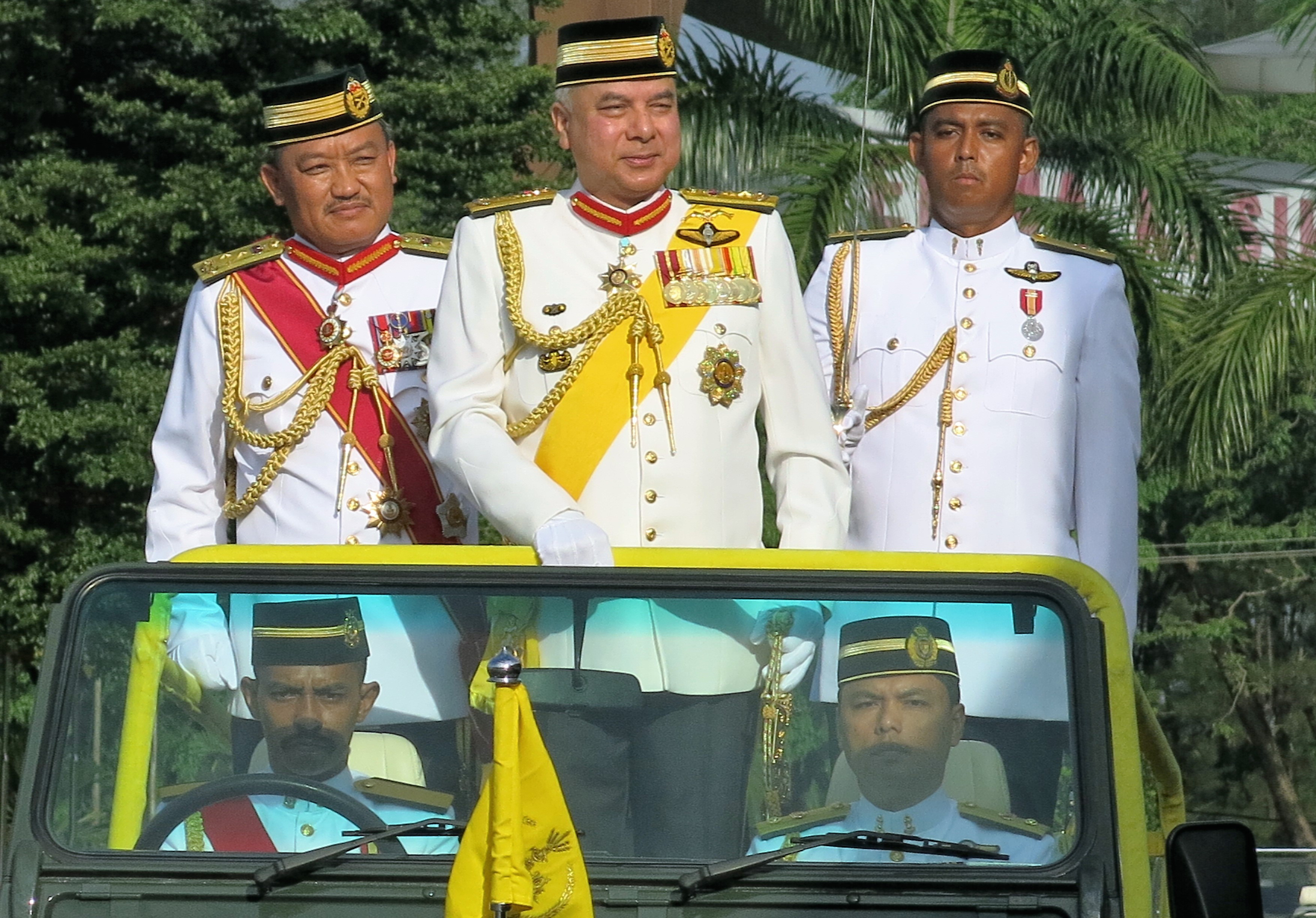 Sultan Nazrin inspecting the Guide of Honour Parade