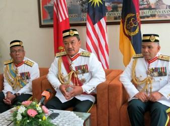 Dr. Abdul Razak (centre) at a press conference after KKD's Golden Jubilee, Guide of Honour Parade in Kem Perdana,Sungai Besi,Kuala Lumpur recently.