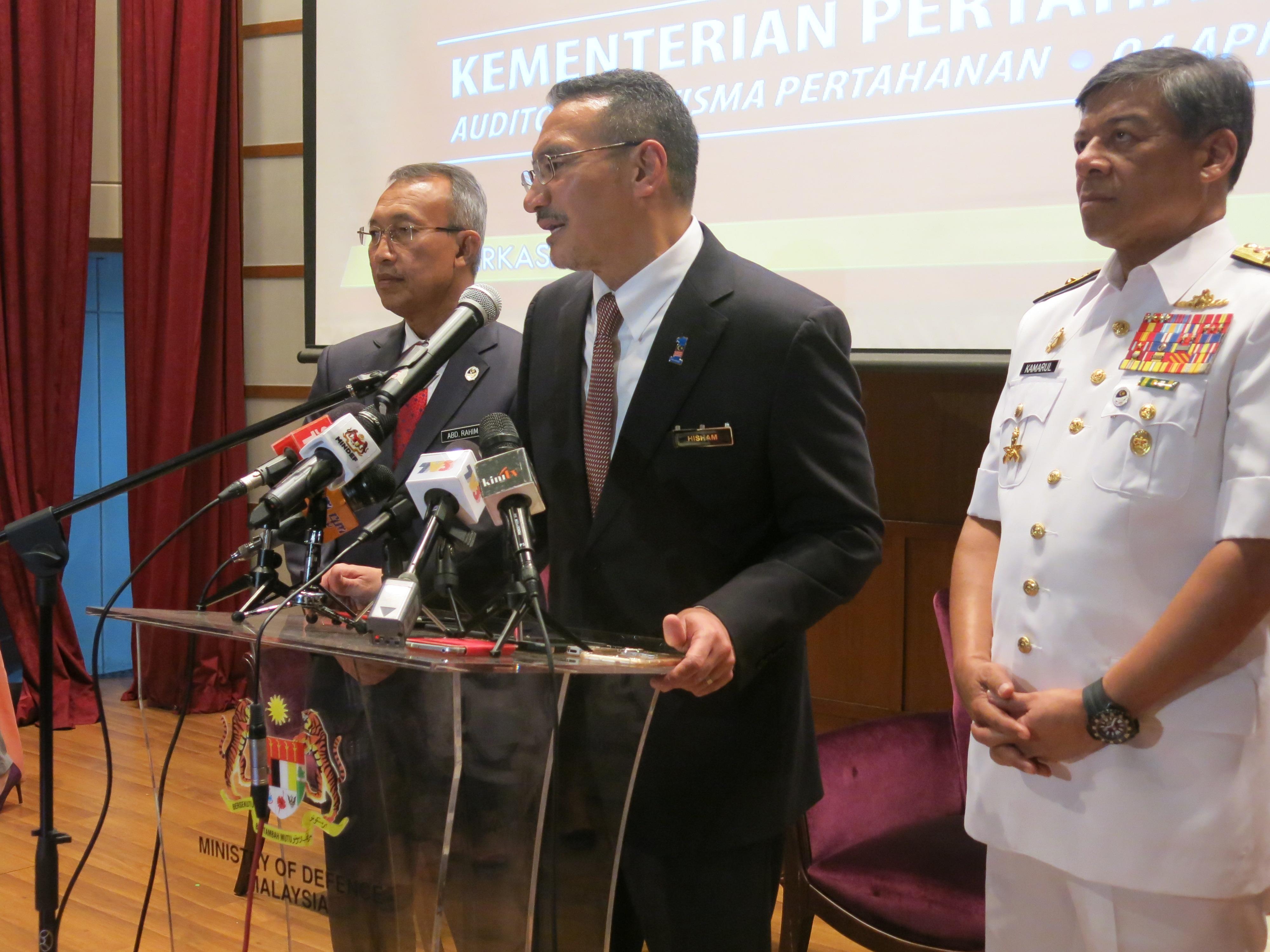 hishammuddin defence minister of malaysia