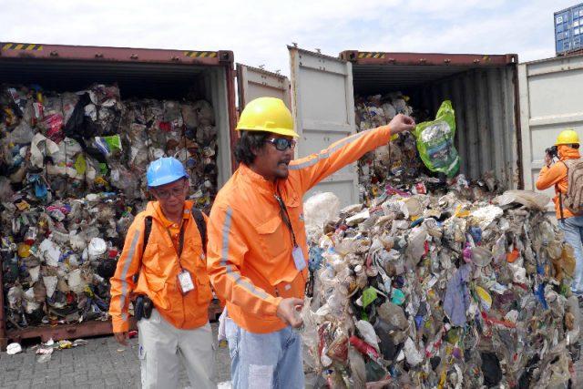 trash shipment canada