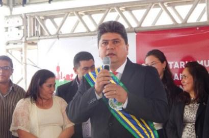 Prefeito de Sao Francisco do Brejão, Adão Carneiro.