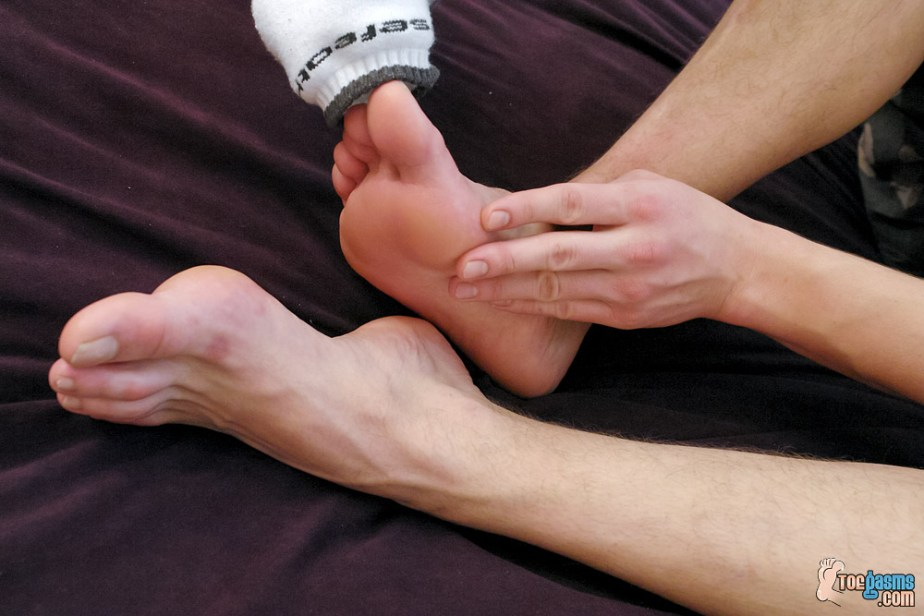 PJ Adams peels off his socks and shows off his bare soles for Toegasms - male feet