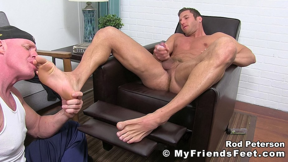 Rod Peterson cums while Dev worships his size 11 male toes - My Friends' Feet - gay foot porn