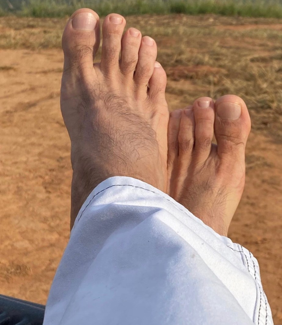 douglassmaxfilt's bare feet and toes in white pants