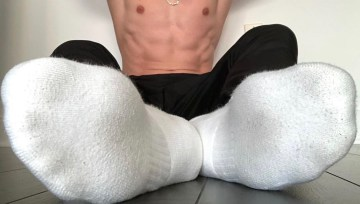 kinksnsneaks shows off his abs and white socked feet