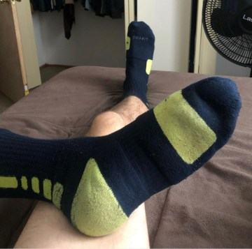 socksuality's size 11s in black and green Nike crew socks