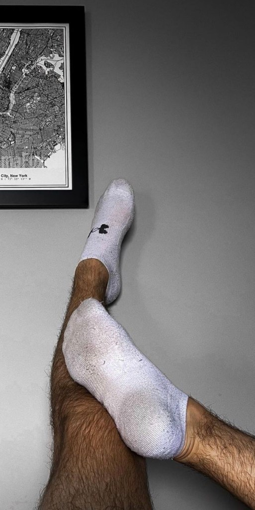 pumafox shows off his white Under Armour ankle socks