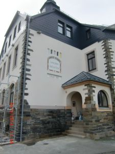 Fassade neu  Bild farbig neu gestaltet