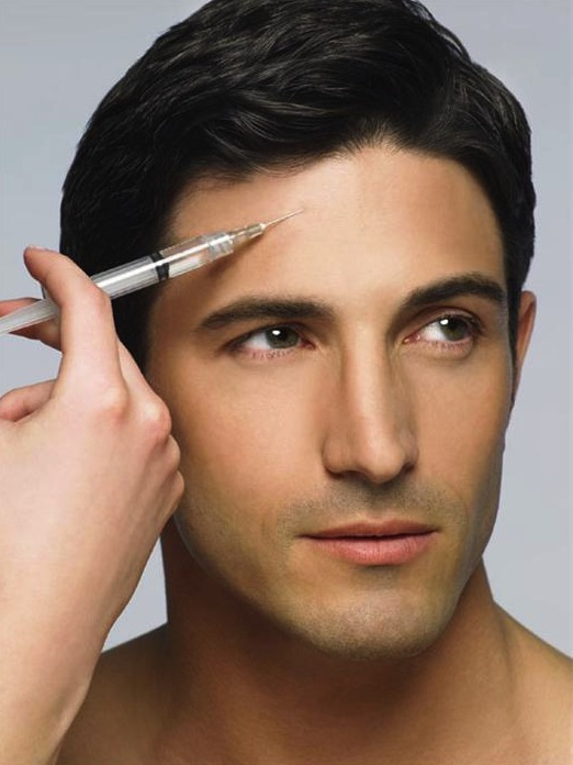 man_getting_botox_600-01275694