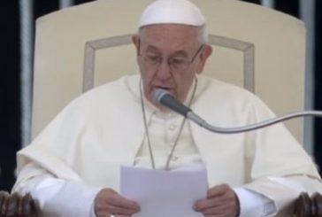 """Papa Francisco: """"Parejas homosexuales no pueden ser consideradas familias"""""""