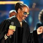 """Snoop Dogg dice ser un """"nuevo hombre"""" en BET Awards"""