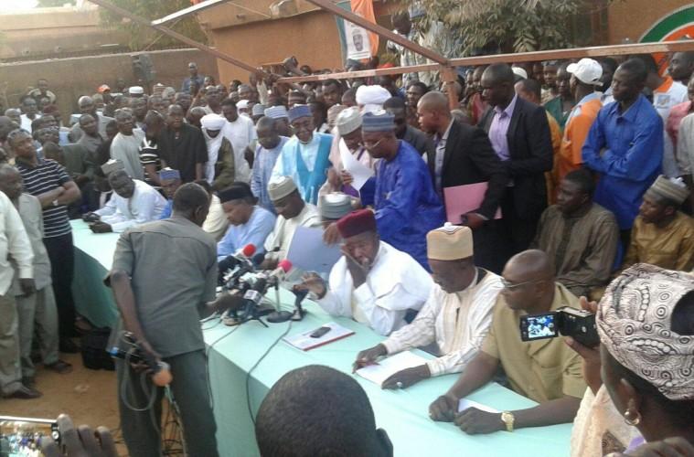 Actualités du Mali - Présidentielle: les Nigériens ont voté dans le calme