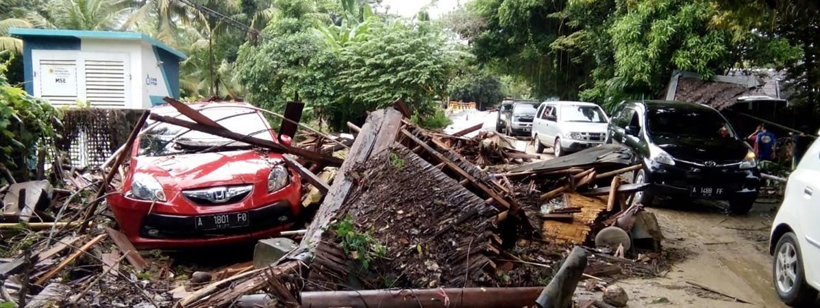 Indonésie : un tsunami provoqué par une éruption volcanique fait au moins 281 morts