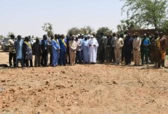 Attaque terroriste contre Ogossagou : IBK se recueille sur les fosses communes et présente les condoléances de la Nation
