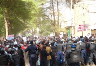 Marche pacifique des enseignants : Quand des politiques tentent la récupération