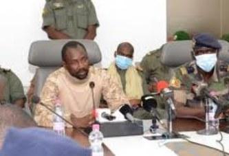 Aux leaders du CNSP : « Vous n'avez pas droit à l'erreur, ni à l'échec, pour enterrer les enthousiasmes et les espoirs suscités par la démission du Président de la République »