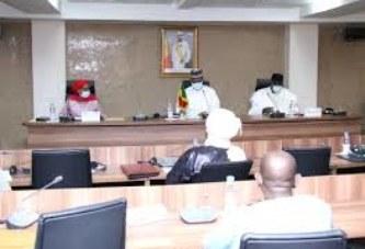 GOUVERNEMENT : Le Premier ministre, Dr Boubou Cissé reçoit les secrétaires généraux des départements ministériels