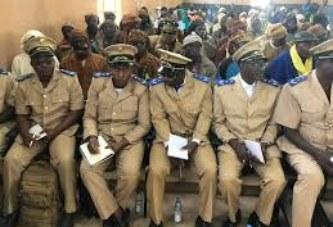 Non crédibilité des élections au Mali : Les SYNAC et SYLTMAT refusent d'être les boucs-émissaires d'ATT et du Président de la Transition Ba N'Daw