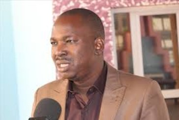 Deux personnes représentent la presse au sein du CNT : Le Président DAK explique les objectifs à défendre