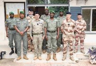 Etat-Major Général des Armées : Echanges fructueux entre le CEM-GA et le Commandant de la Force Takuba
