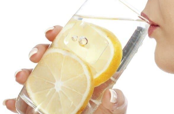10 Manfaat Minum Air Lemon di Pagi Hari