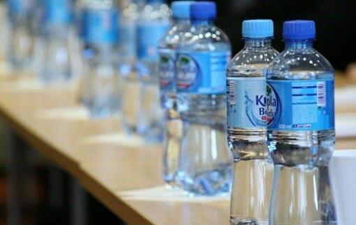 Cara Membedakan Air Mineral Asli dan Palsu