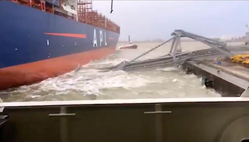 APL Containerschiff kollabiert Kran im Hafen von Antwerpen
