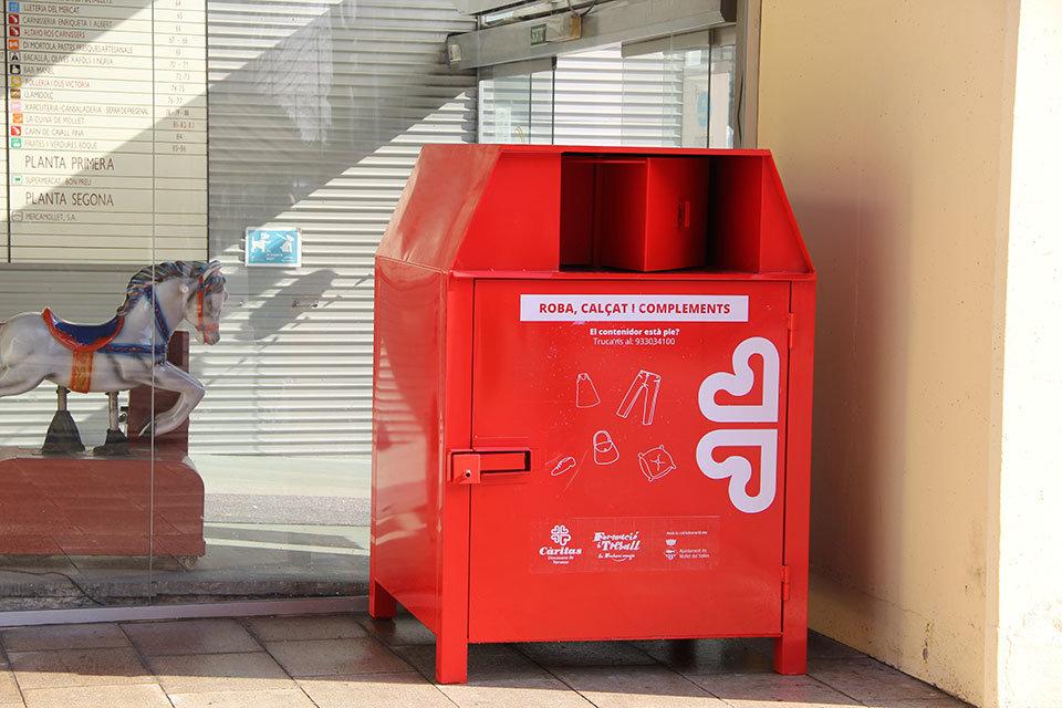 Altkleider-Container der Caritas auf Mallorca