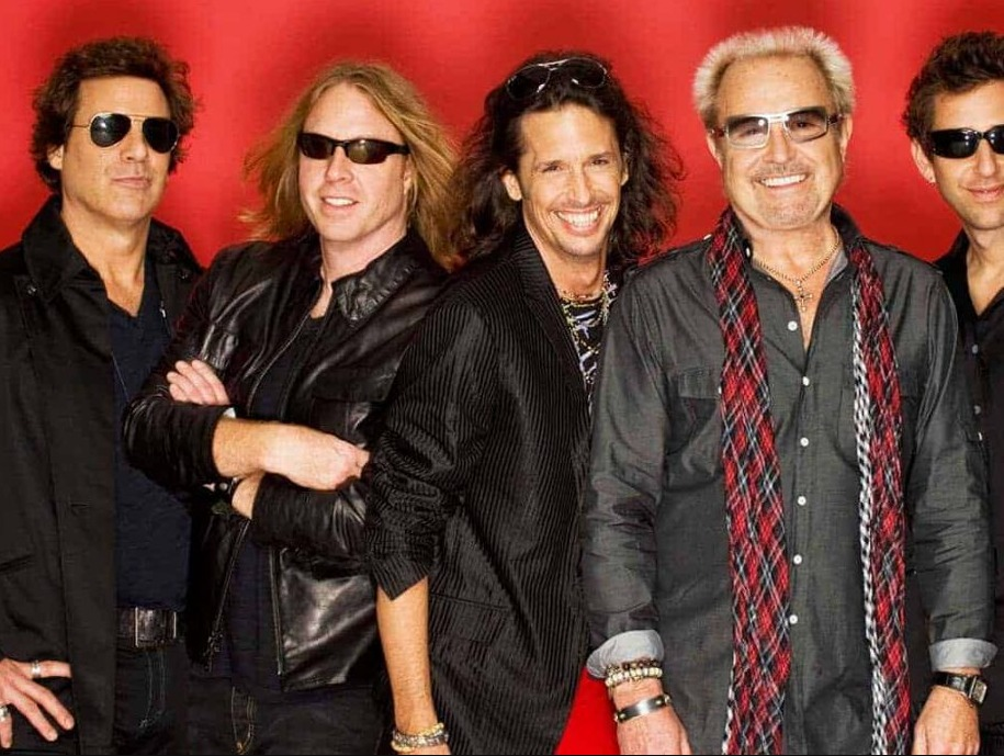 Foreigner & Extra Guests in Palma