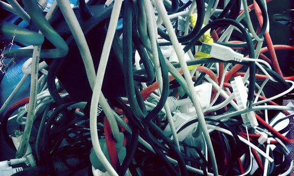 Kabel und Kabelsalat