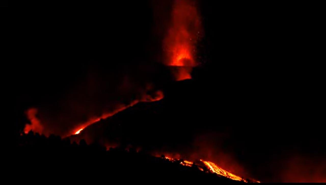 Nachtaktiver Vulkan