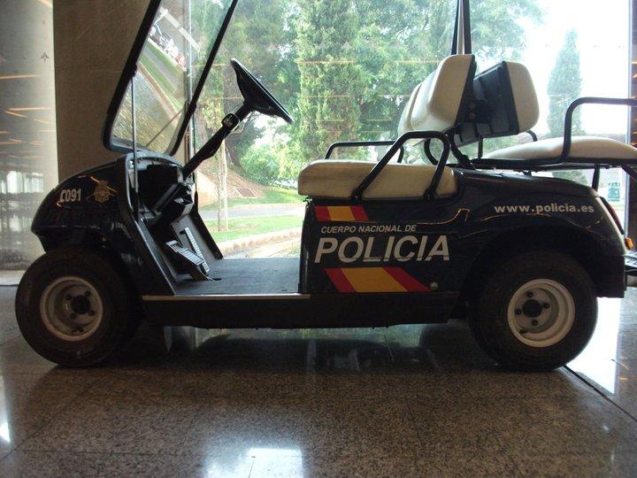 Policia Nacional am Flughafen Palma de Mallorca (PMI)