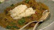 Auberginen-Curry mit Schweinefleisch