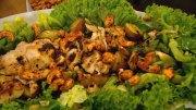 Feiner Frühlingssalat mit Hähnchenbrust
