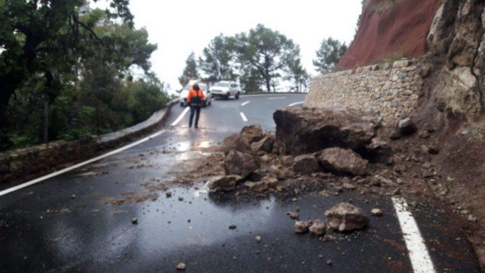 lluvias desprendimientos en la carretera de la serra de tramuntana