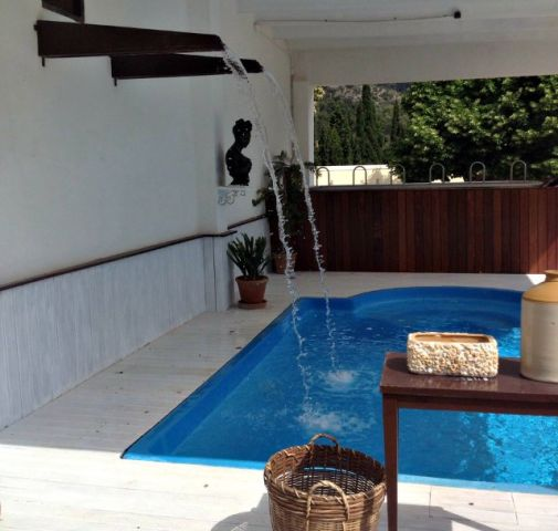 Innenhof Pool im Lofthotel Canet