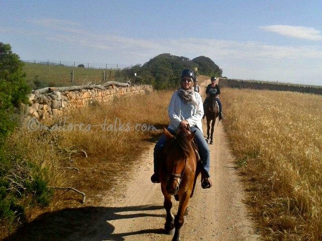 Unterwegs zu Pferd