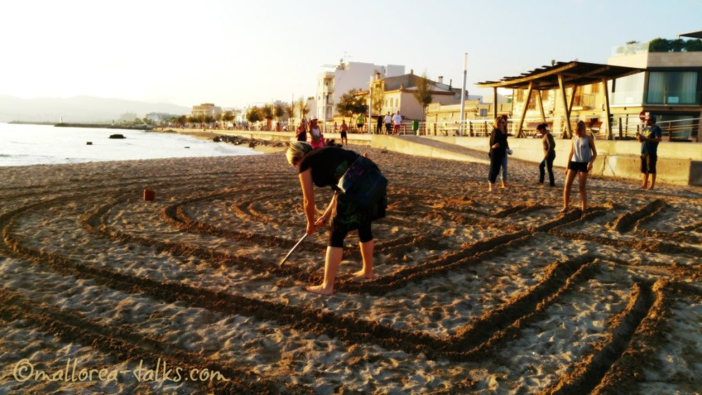 Ein Labyrinth - kein Irrgarten - beim Labyrinth Walk in Palma