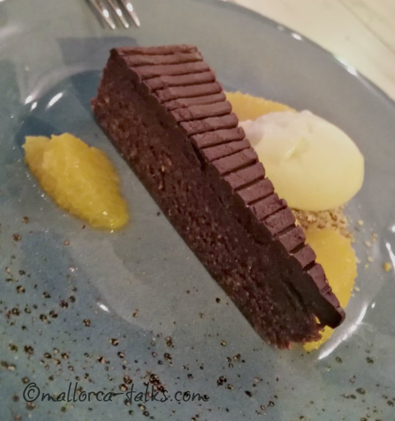 Rohkohst veganes Dessert - Brownie im The Seed Port Andratx