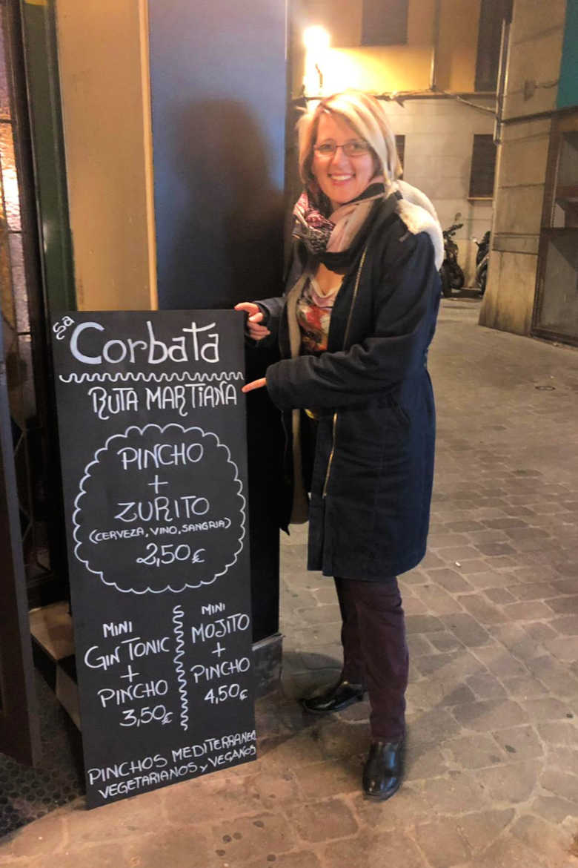 Barbara von Mallorcatalks auf Tour bei der Ruta Martiana