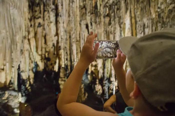 Die Höhlen von Arta