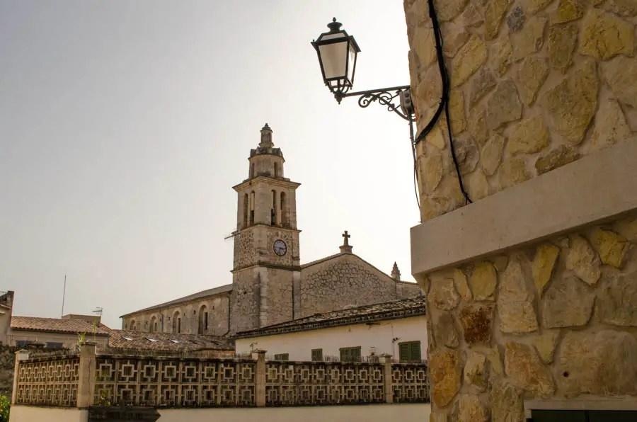 Caimari: Kirche