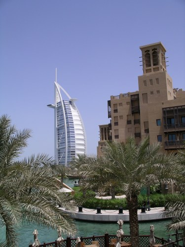 Burj al Arab - from the Madinat Jumerirah - Tolfalas.com