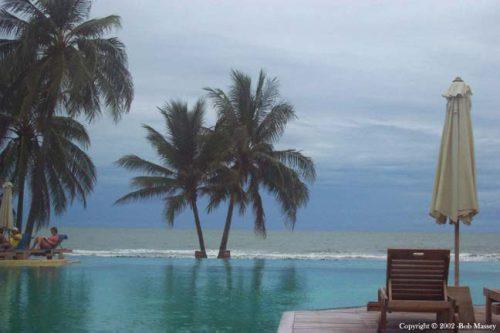Hotel Pool - Evason Pranburi - on a less than sunny day - from Tolfalas.com
