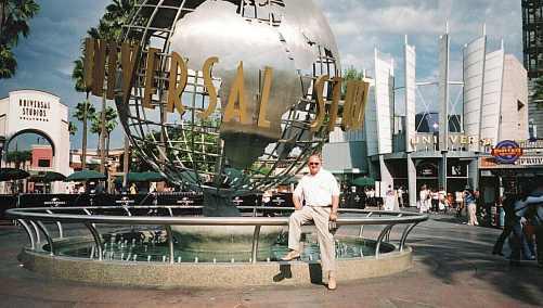Bob at Universal Studios @ Tolfalas.com